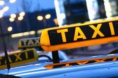 Автоэксперт Холодов: Идея перекрасить все такси в Петербурге в один цвет выглядит бесполезной